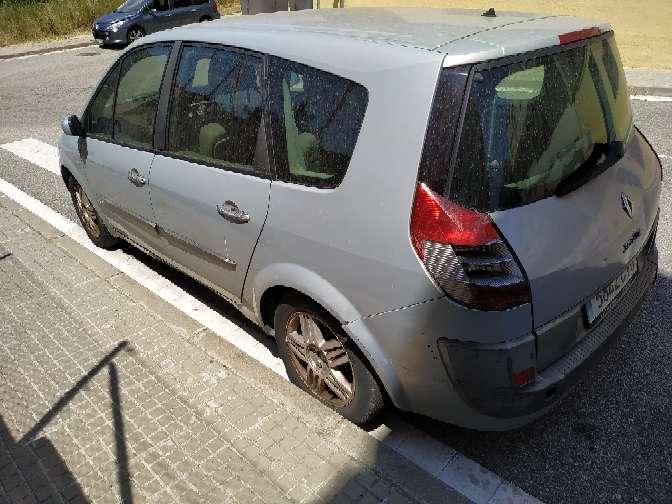 Imagen producto Renault gran scenic año 2003 7 plazas líquido 400€ culata averiada 5