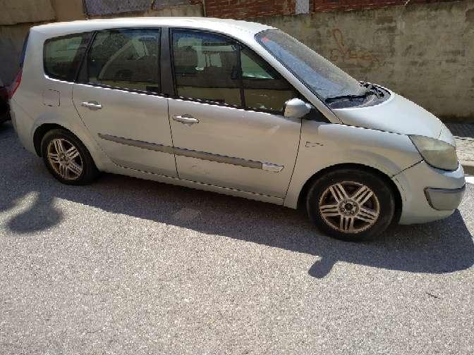 Imagen producto Renault gran scenic año 2003 7 plazas líquido 400€ culata averiada 3