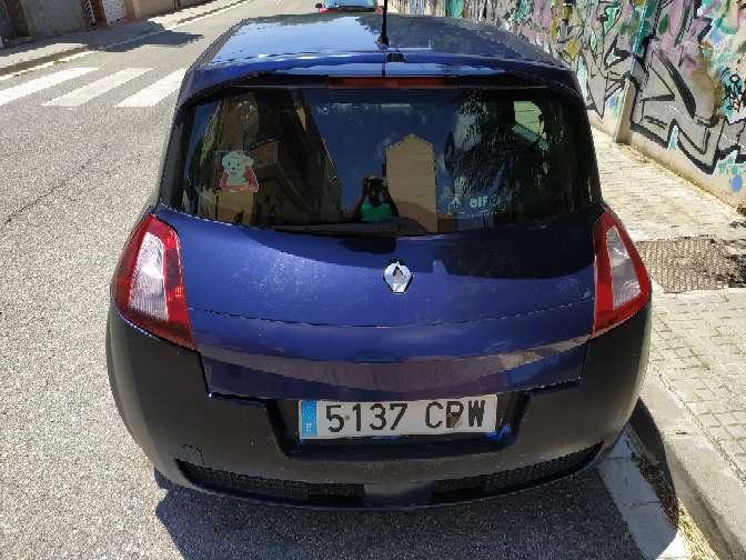 Imagen producto Renault megane diésel 1.5 oferta 400€ no funciona por bomba de gasoil ideal mecánicos o para piezas Estado muy bueno zona terrasa camboada  5