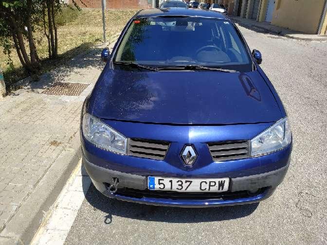 Imagen producto Renault megane diésel 1.5 oferta 400€ no funciona por bomba de gasoil ideal mecánicos o para piezas Estado muy bueno zona terrasa camboada  3
