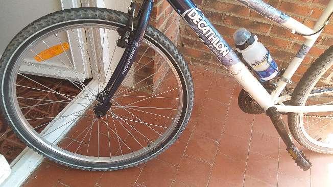 Imagen producto Bicicleta montañera en perfectas condiciones  9