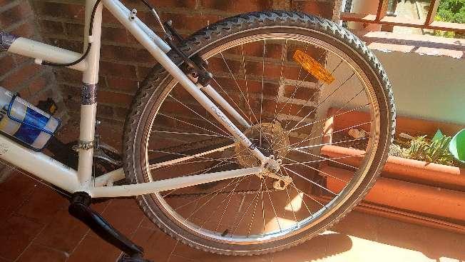 Imagen producto Bicicleta montañera en perfectas condiciones  8
