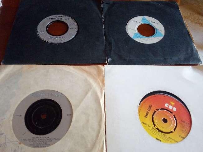 Imagen producto Singles. Lote de 37 unidades.  2