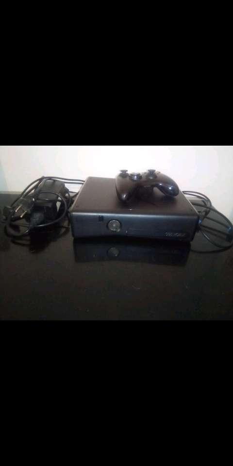 Imagen producto Xbox 360 con juegos 2