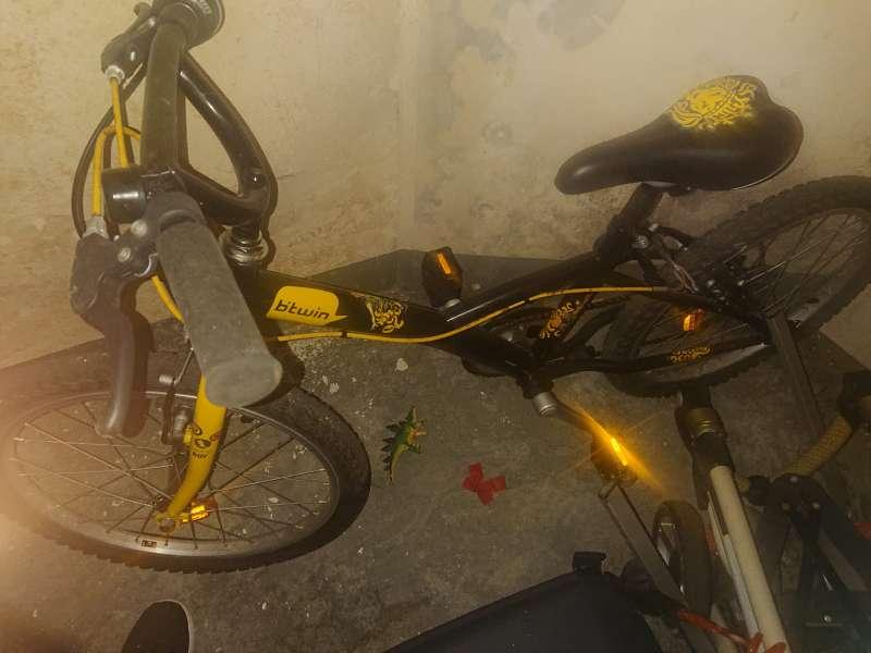 Imagen bici para niño sin apenas uso