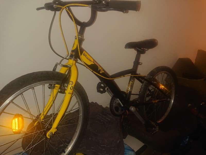 Imagen producto Bici para niño sin apenas uso 2
