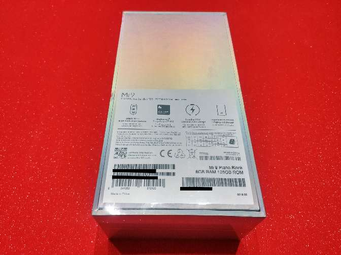 Imagen producto Xiaomi mi9 Negro piano nuevo y PRECINTADO con garantía de 2 años en españa 3