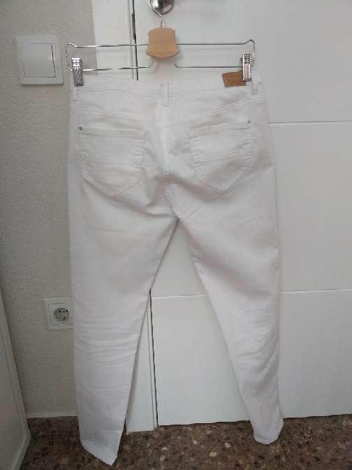 Imagen producto Pantalon largo blanco de Zara 2