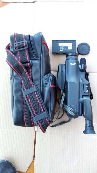 Imagen producto Video cámara JVC NO. GR-A1E 3