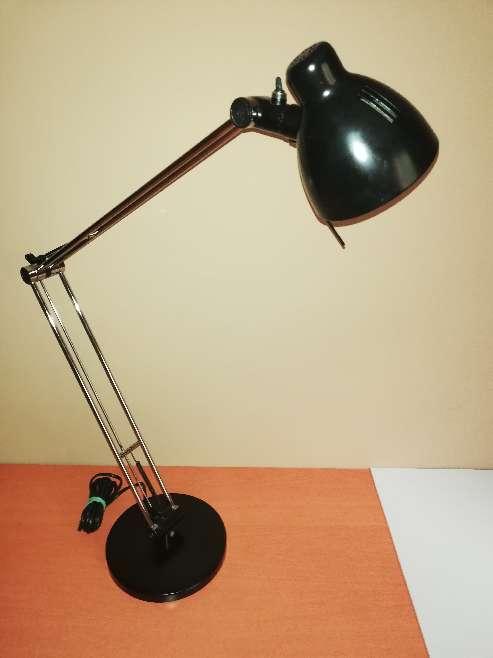 Imagen Flexo negro de diseño IKEA