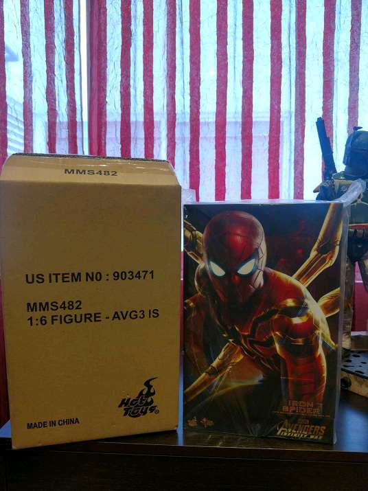 Imagen producto Iron Spider Hot Toys 1