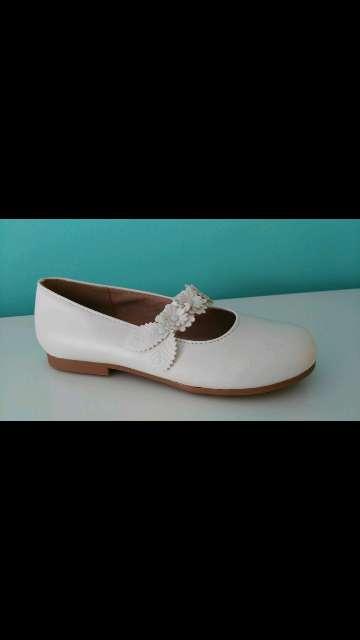 Imagen zapato blanco niña