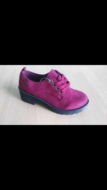 Imagen zapato burdeos