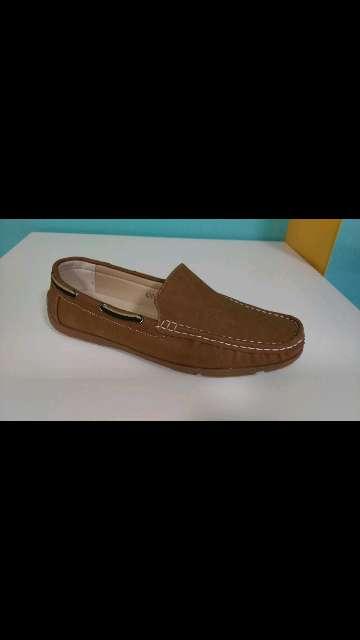 Imagen zapato marrón caballero