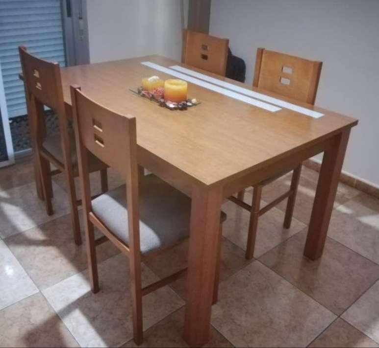 Imagen producto Mesa extensible y cuatro sillas haya  4