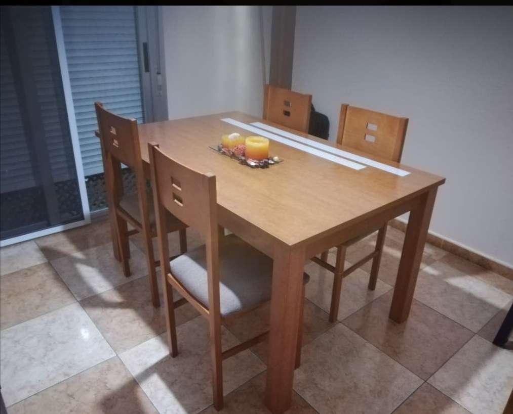 Imagen producto Mesa extensible y cuatro sillas haya  2