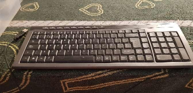 Imagen producto Web CAM y teclado  2