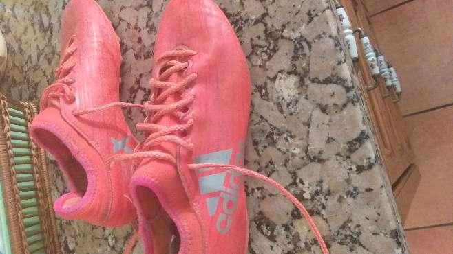 Imagen botas de futbol tobilleras