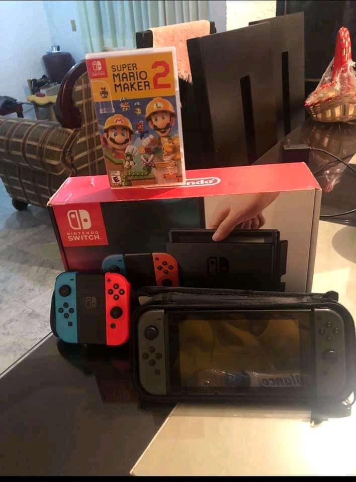 Imagen Nintendo Switch con Mario Maker 2