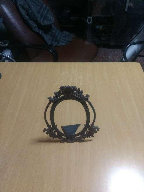 Imagen producto Candelabro y marco antiguo en aluminio 3