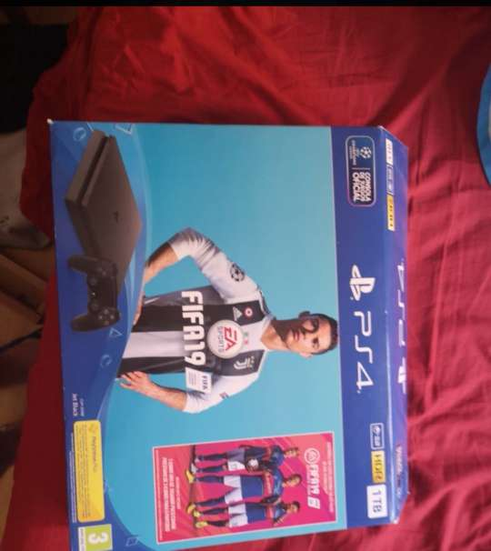 Imagen producto Consola PS4 2