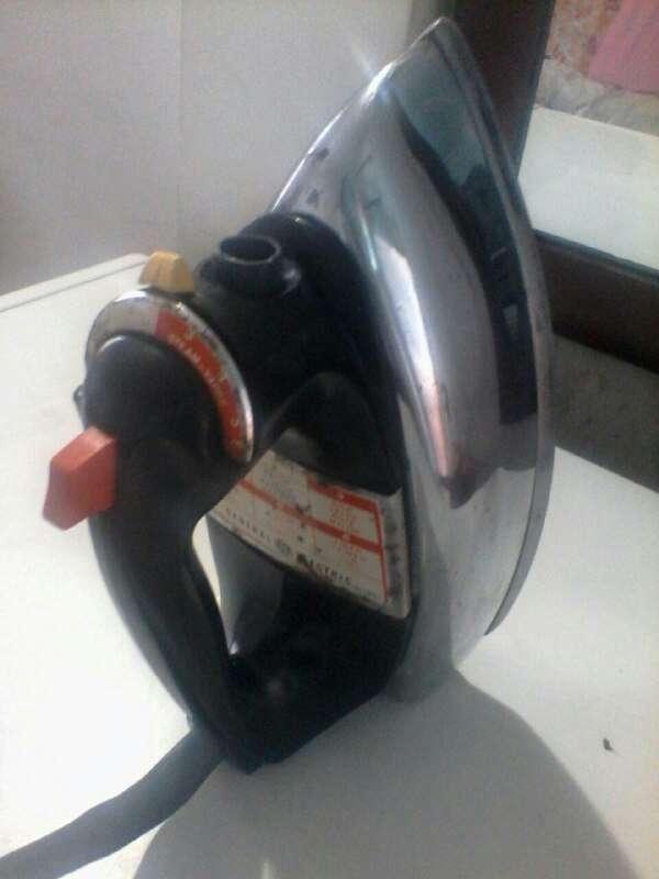 Imagen producto Plancha para ropa General Electric 3 2