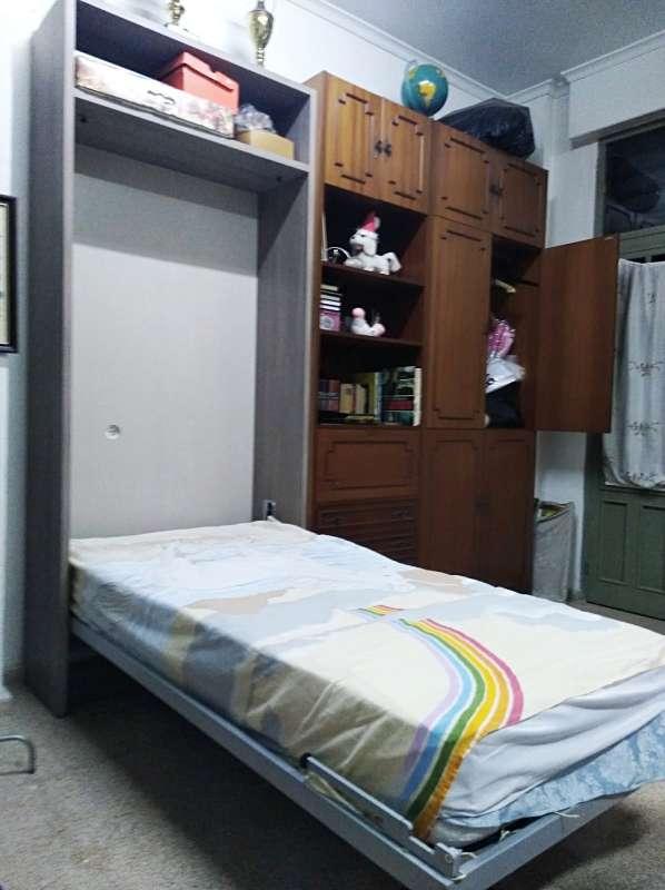 Imagen Mueble con cama de 90 abatible.