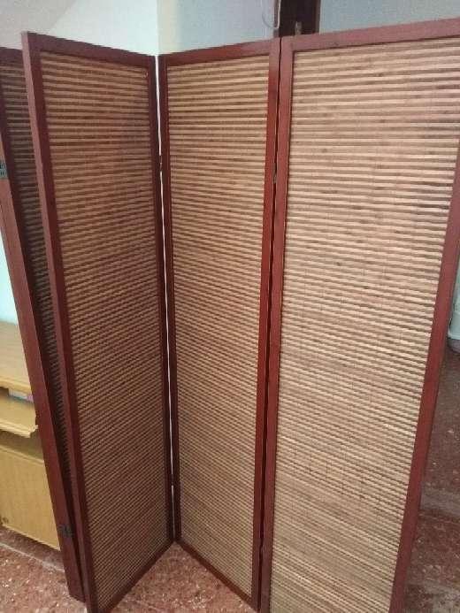 Imagen biombo madera marron