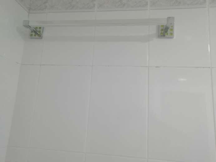 Imagen producto Conjunto armario lavabo + espejo y accesorios 5