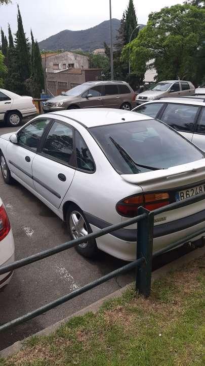 Imagen producto Renault laguna 500 2