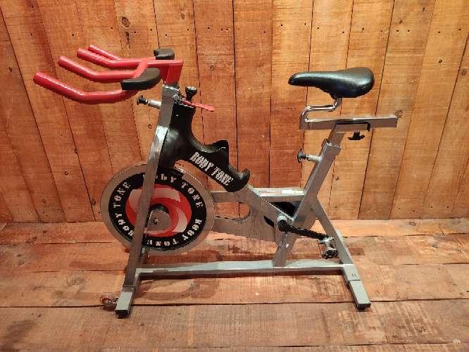 Imagen producto Bicicleta estática de spinning bodytone 5