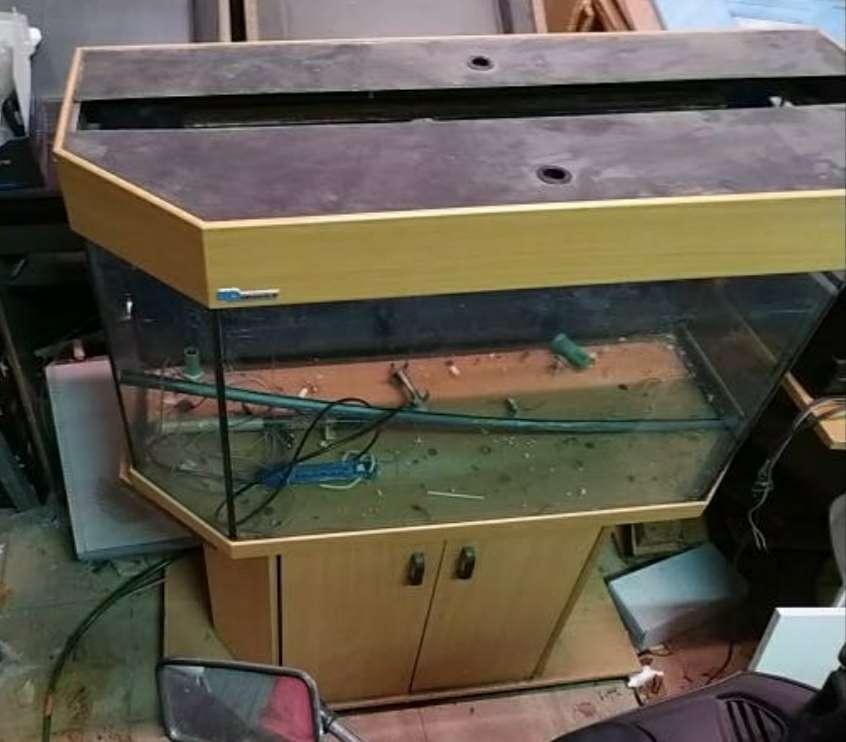 Imagen producto Pecera con mueble 2