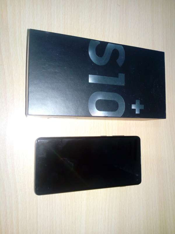 Imagen producto Vendo Samsung Galaxy S10 Plus 2