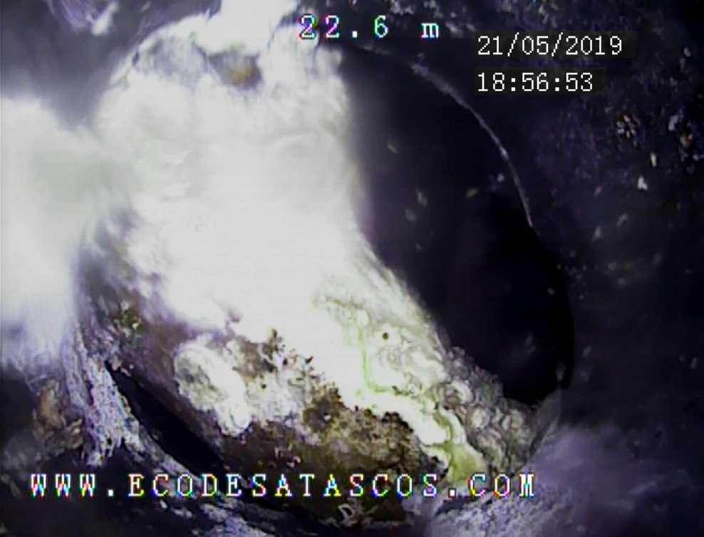 Imagen producto Inspección de tuberias con cámara de TV. Localización de roturas, atascos y anidaciones en chimeneas o desagües. 7