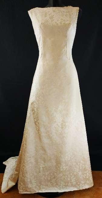 Imagen producto Vestido novia cuello barco 4