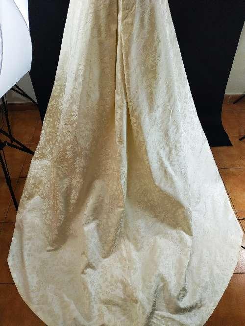 Imagen vestido novia cuello barco