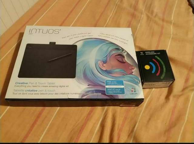 Imagen Wacom Intuos Art Medium+Wireless Kit