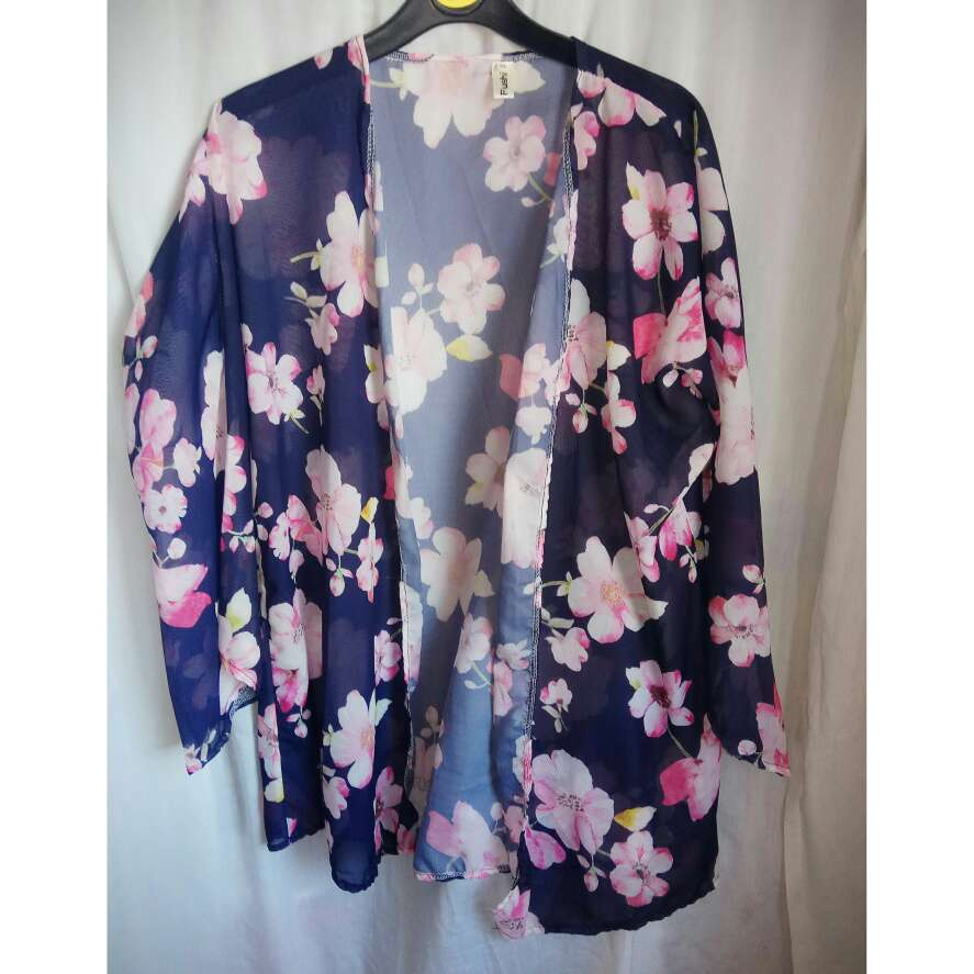 Imagen kimono floral