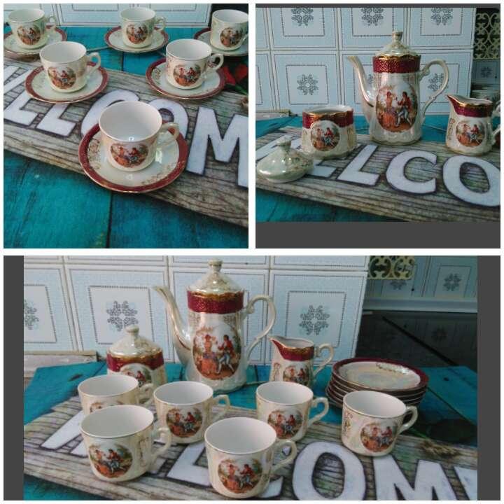 Imagen Juegos café porcelana y oro ley