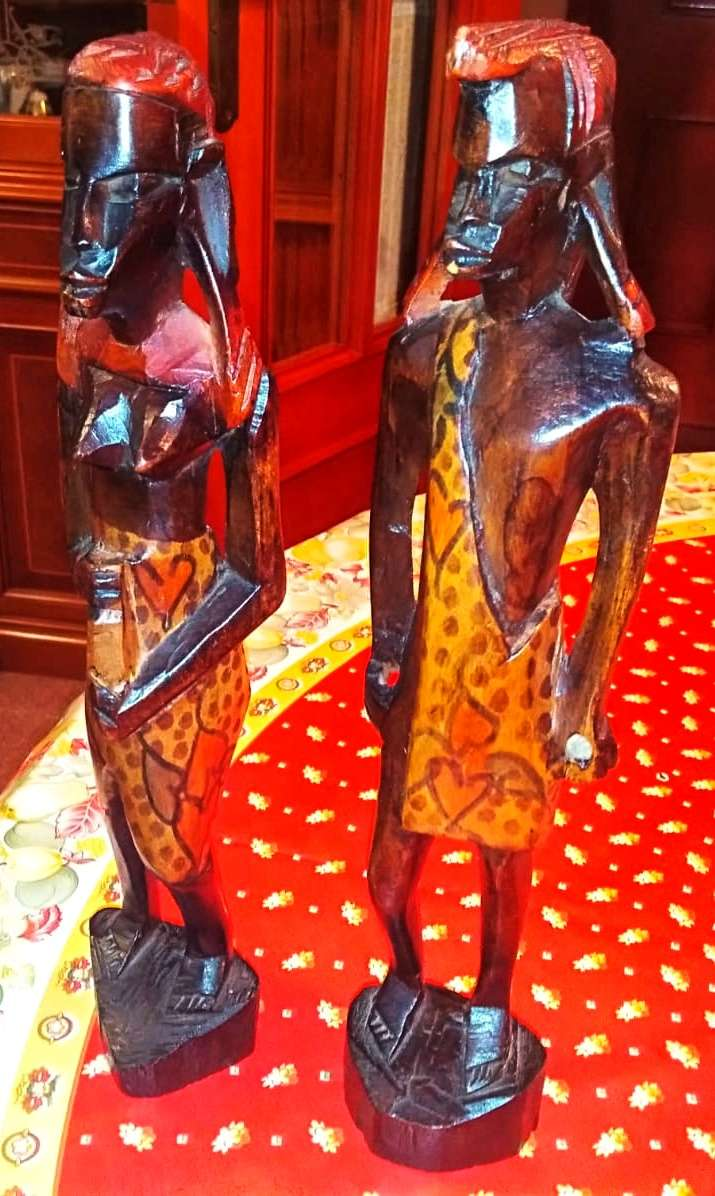 Imagen Pareja tribu africana, tallado a mano 28cms. Están en Cartagena Murcia.