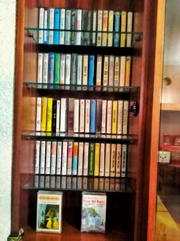 Imagen Cintas de cassette copla, rumba, pop años 70 y sevillanas. El precio es 2e el cassette si quieres más es negociable. Están en Cartagena Murcia