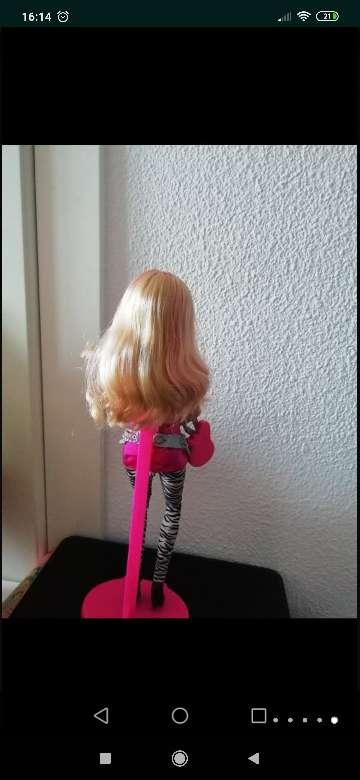 Imagen producto Barbie fashionista mechas rosas 2