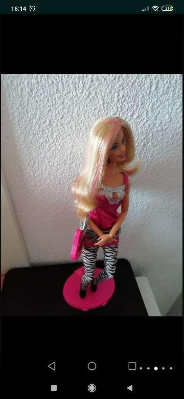 Imagen producto Barbie fashionista mechas rosas 6