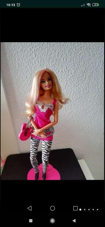 Imagen producto Barbie fashionista mechas rosas 3