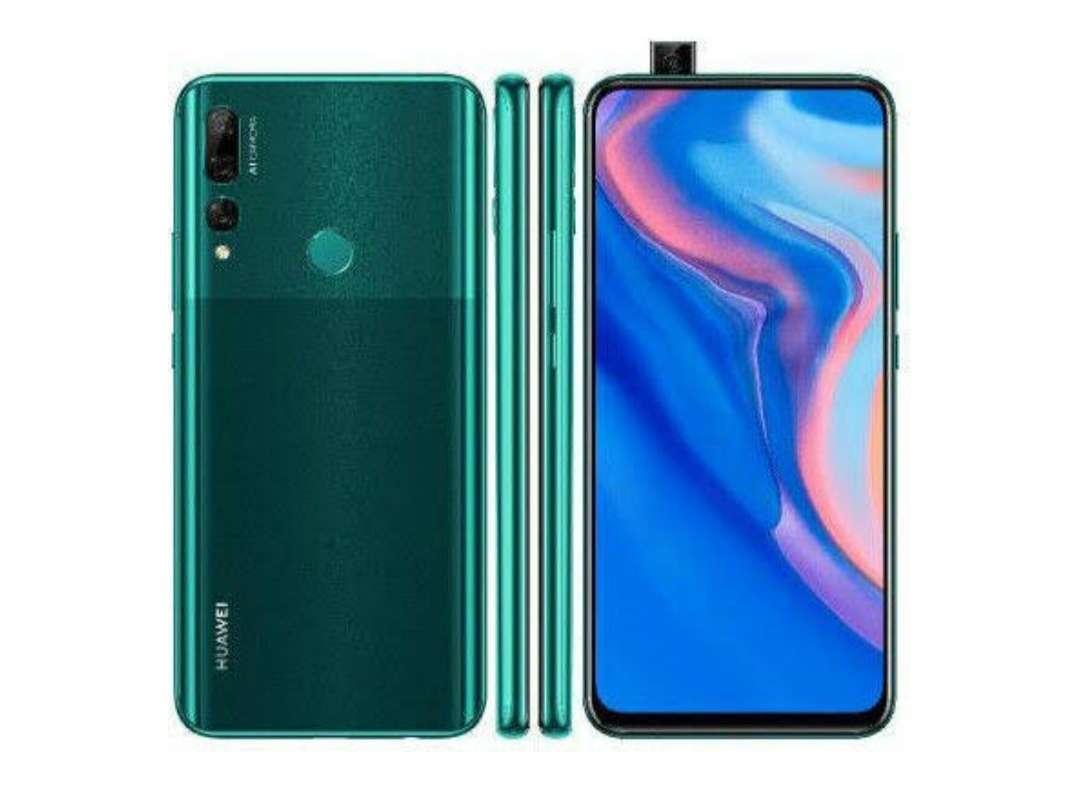 Imagen Huawei Y9 prime 2019 y Samsung Fit e