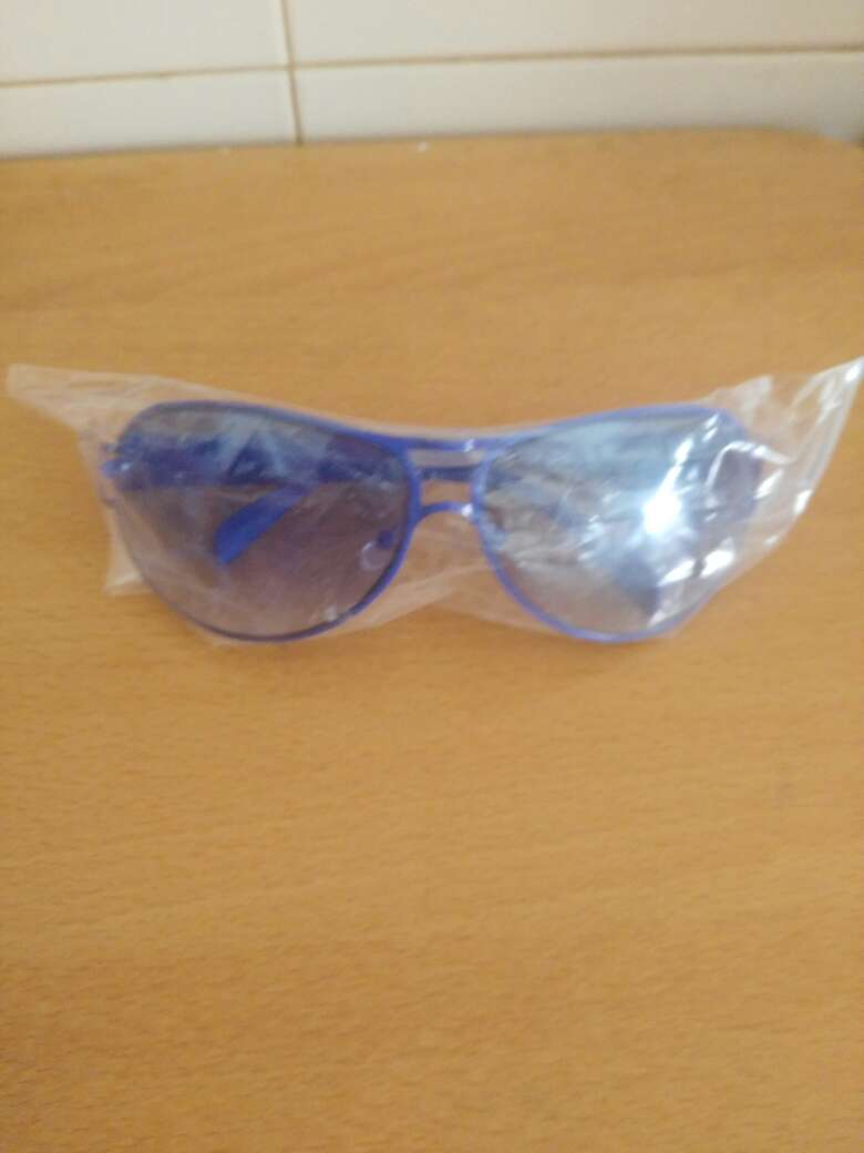 Imagen  gafas sol azul