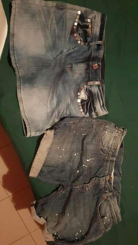 Imagen minifalda y pantalón corto vaquero