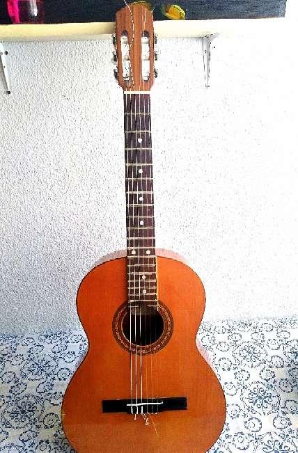 Imagen Guitarra Prudencio Saenz..En Majadahonda.