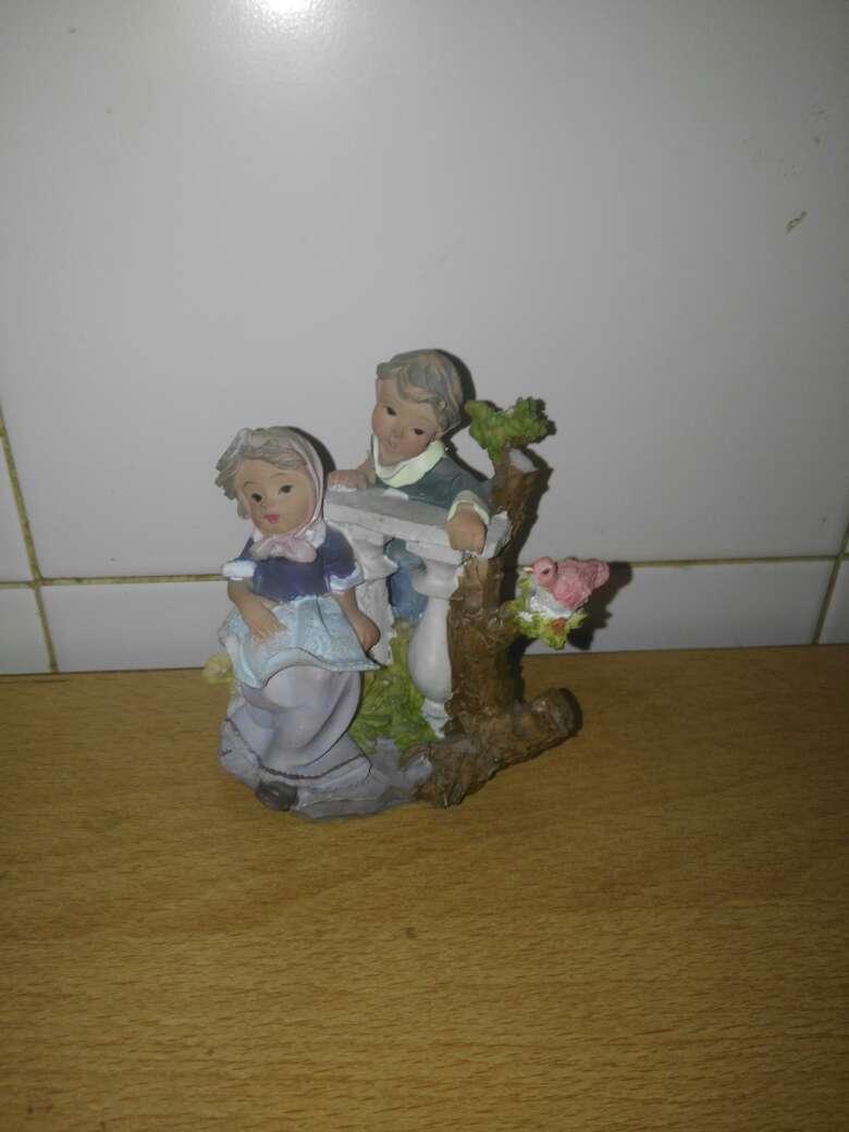 Imagen pareja niños adorno