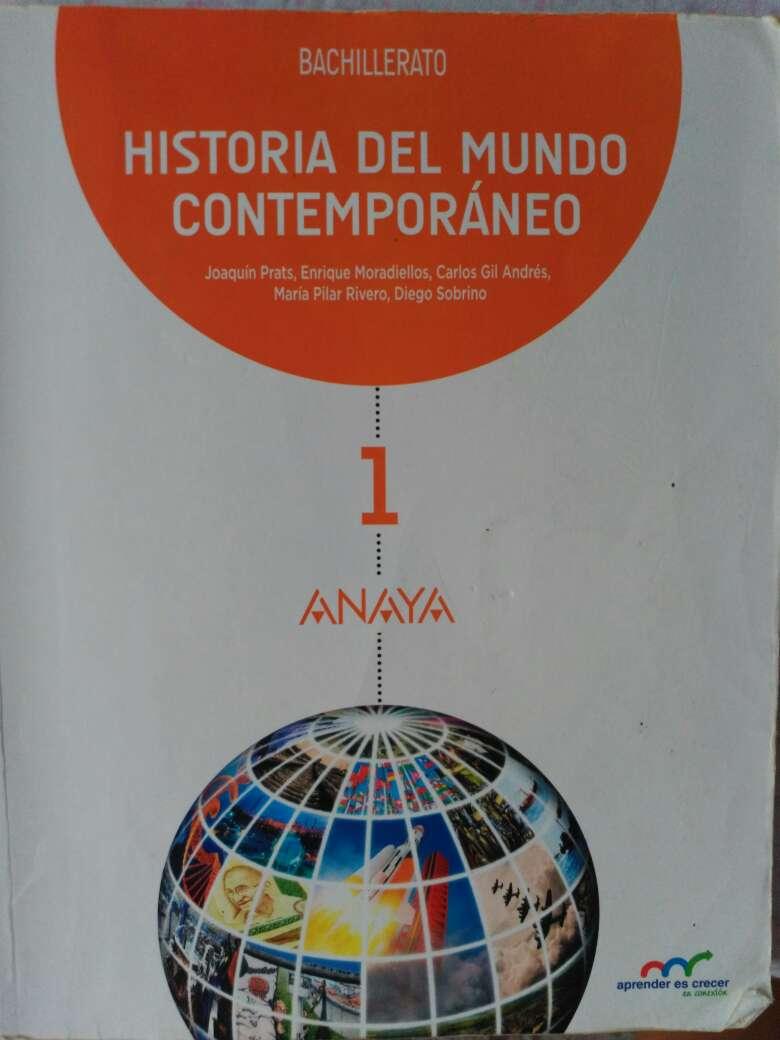 Imagen vendo libro historia del mundo contemporáneo 1° bachiller